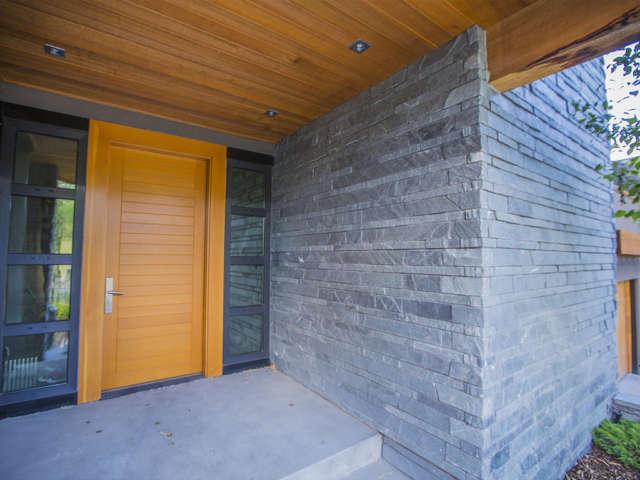 Pacific Ashlar Stone Veneer